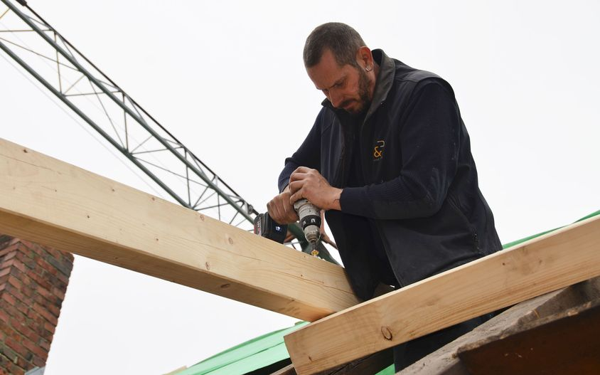 Carpentry work at a truss
